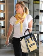 http://img167.imagevenue.com/loc1003/th_402891014_Hilary_Duff_Shopping_in_Beverly_Hills3_122_1003lo.jpg